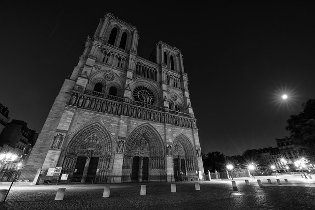 Norte Dame at Night
