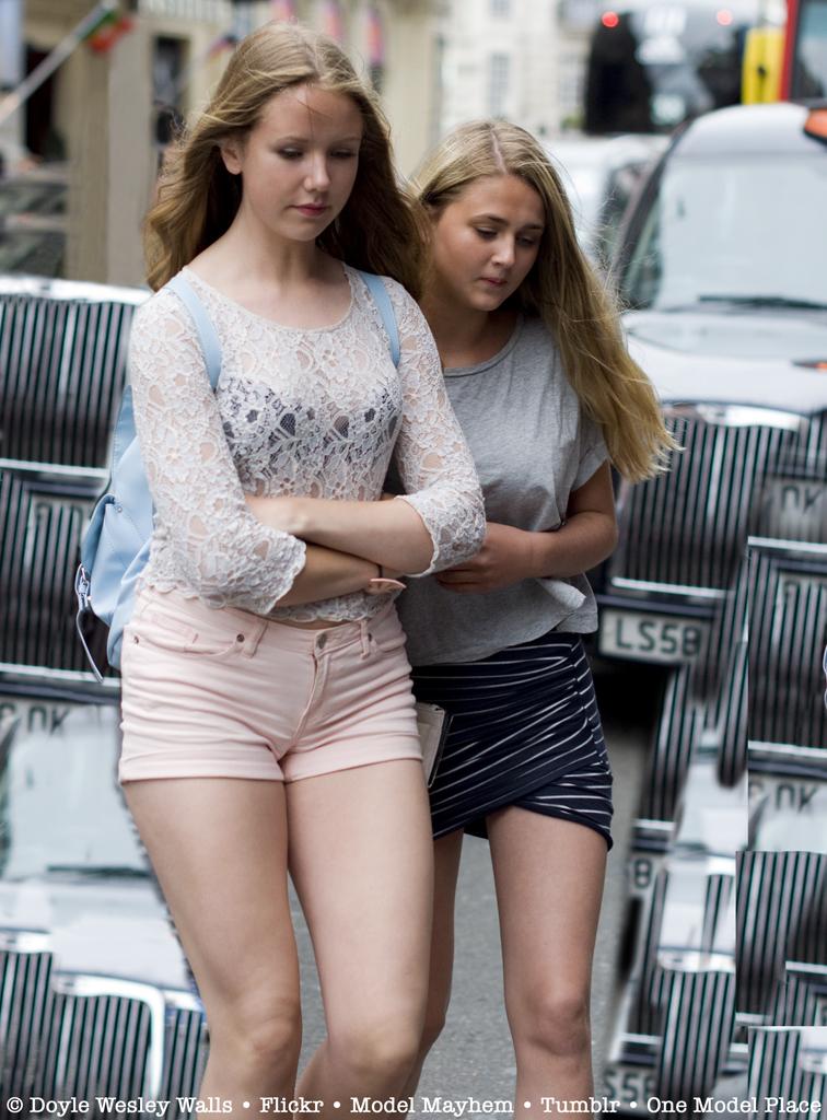Very Beautiful Girls In Heavy London Traffic  Doyle -3444