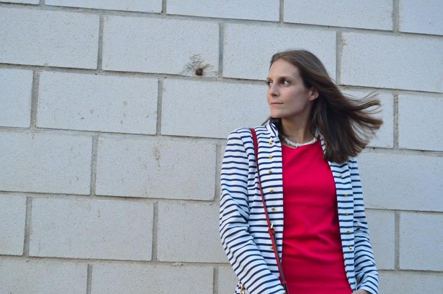 lara-vazquez-madlula-blog-style-fashion-stripes-blazer