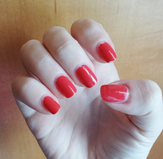 Sally Hansen Miracle Gel in Redgy after 10 days of wear