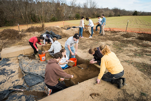 Students at archeology dig