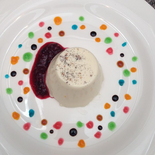 'Pannacotta' Eggless Custard Cream with Vanilla Bean & Berries - Burlamacco Ristorante