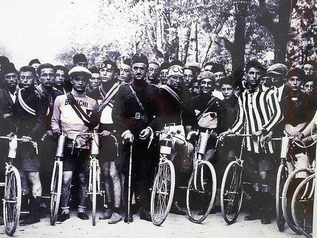 Marubi image of a bike race
