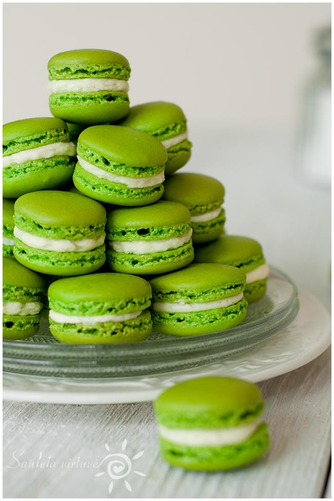 Žali macarons (4)