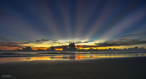 sunburst sunrays newsmyrnabeach godrays floridasunrise beachsunrise oceansunrise