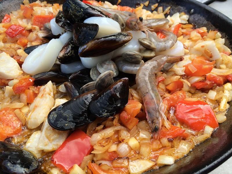 Паэлья, морепродукты