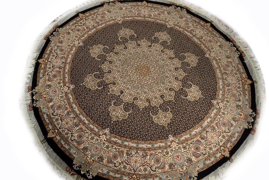 Fish Design Mahi Round Persian Rug