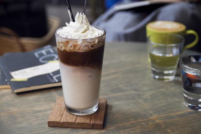 Iced condensed milk latte