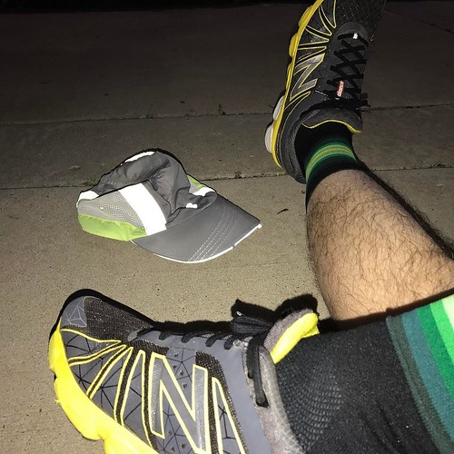 Run after dark, use the old tri viz hat. Paired it with @newbalance shoes as well   so top and bottom. @hbstache for some #sockdoping but it didn't mask lingering pain. . . . #triviz #hat #run #newbalance #afterdark #sockgame #socklove
