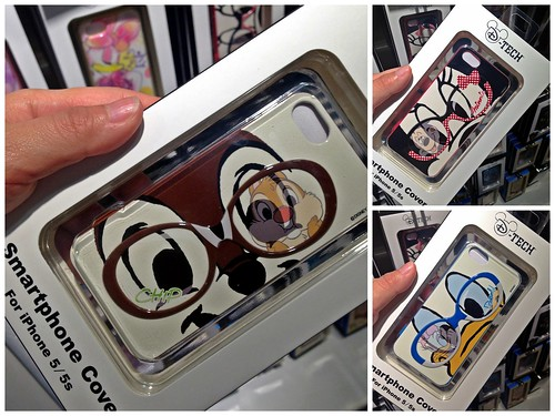 Window shopping, Japan - Disney products