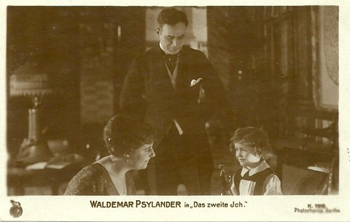 Valdemar Psilander and Ebba Thomsen in Lykken (1918)