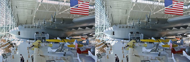 Spruce Goose in 3D, crosseyed format