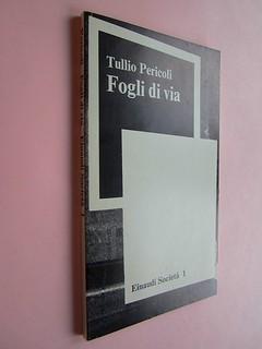 Fogli di via, di Tullio Pericoli. Einaudi 1976. Responsabilità grafica non indicata [Bruno Munari]. Dorso, copertina (part.), 1
