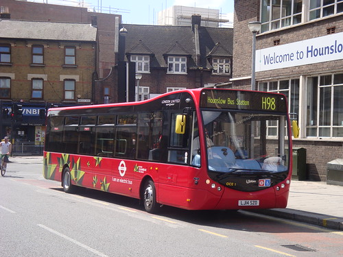 London United OCE1 on Route H98, Hounslow Garage