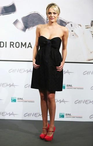 resize_laura-chiatti-in-tubino-nero_original roma 2012