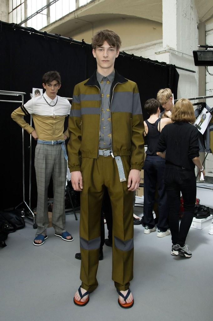 SS15 Paris Krisvanassche202_Matthieu Gregoire,Dominik Hahn(fashionising.com)