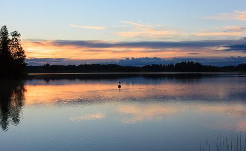lake reflection espoo suomi finland landscape 50mm evening twilight scandinavia ilta järvi uusimaa pitkäjärvi laaksolahti