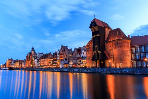 city longexposure sunset reflection water night river landscape evening scenery cityscape crane poland medieval gdansk vesi auringonlasku joki pitkävalotus pwpartlycloudy