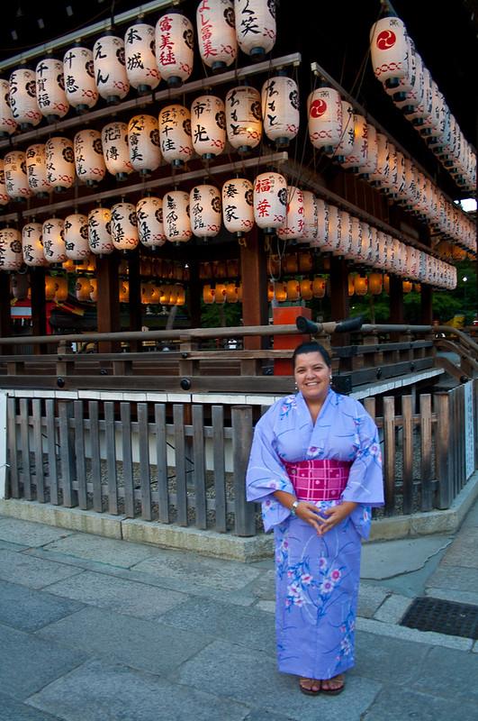 Laura en yukata en Kioto