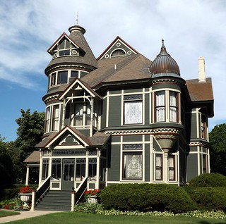 Facade Queen Anne House On Military Street Port Huron
