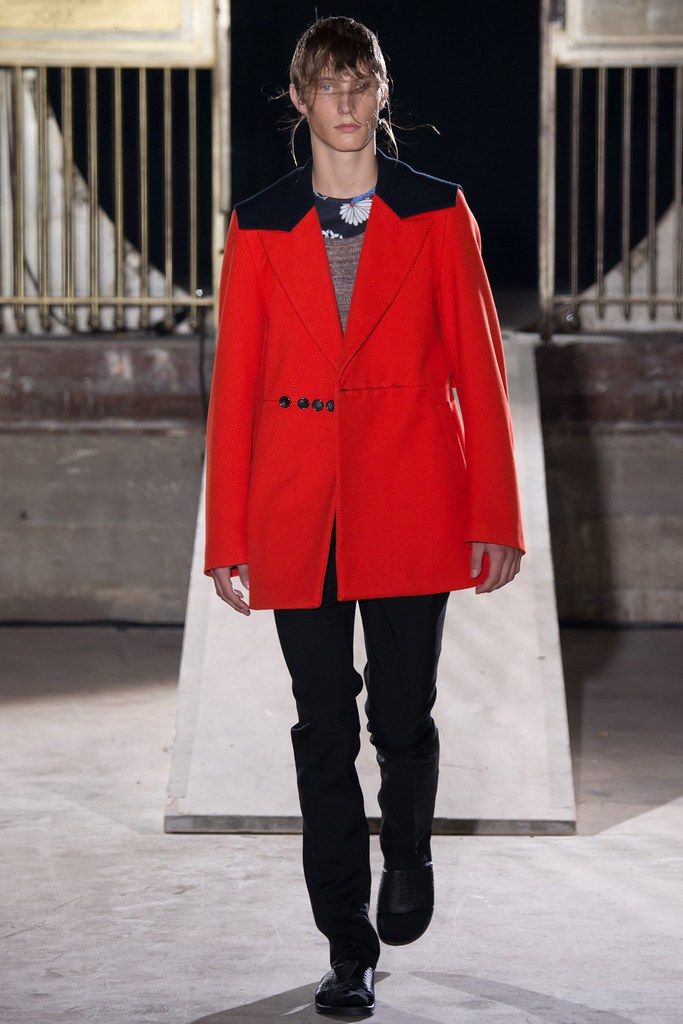 SS15 Paris Raf Simons021_Johannes Spaas(VOGUE)