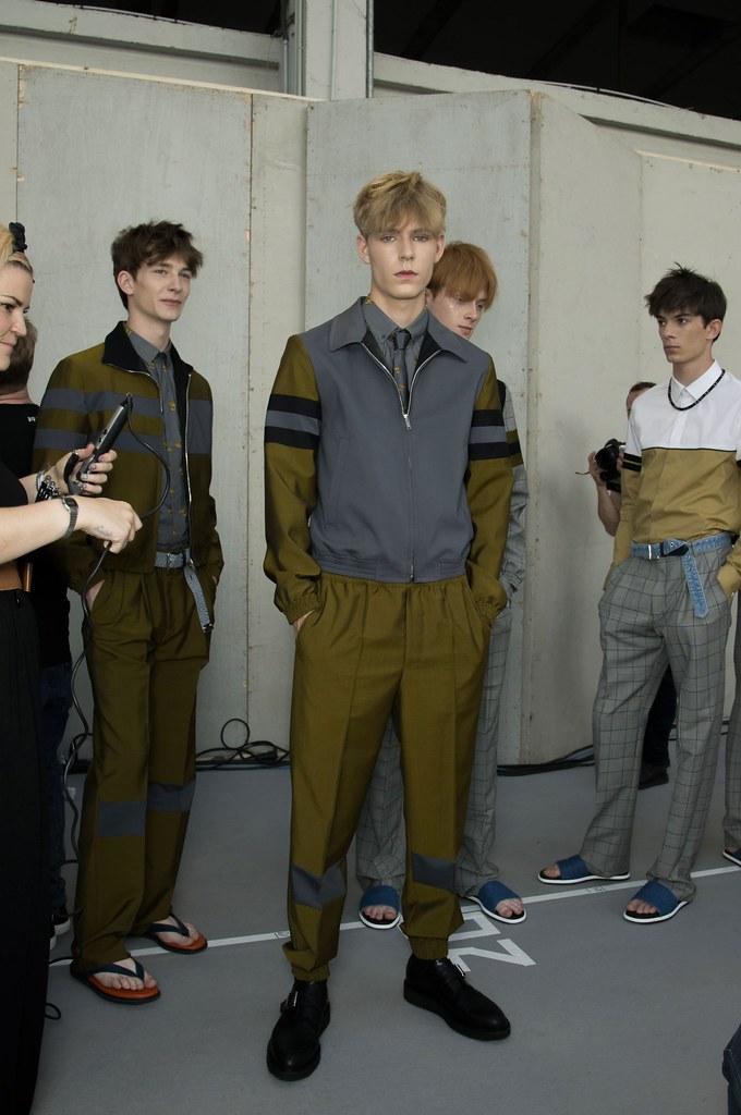 SS15 Paris Krisvanassche222_Dominik Hahn, Simon Fitskie, Linus Wordemann, Matthieu Gregoire(fashionising.com)
