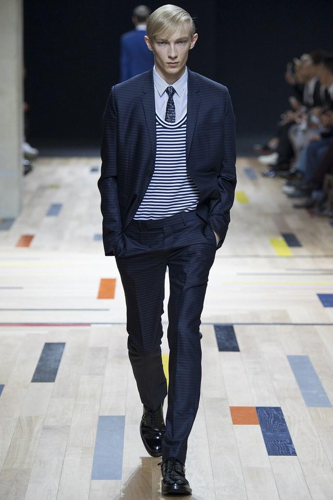 SS15 Paris Dior Homme009_Carol Sapinski(VOGUE)