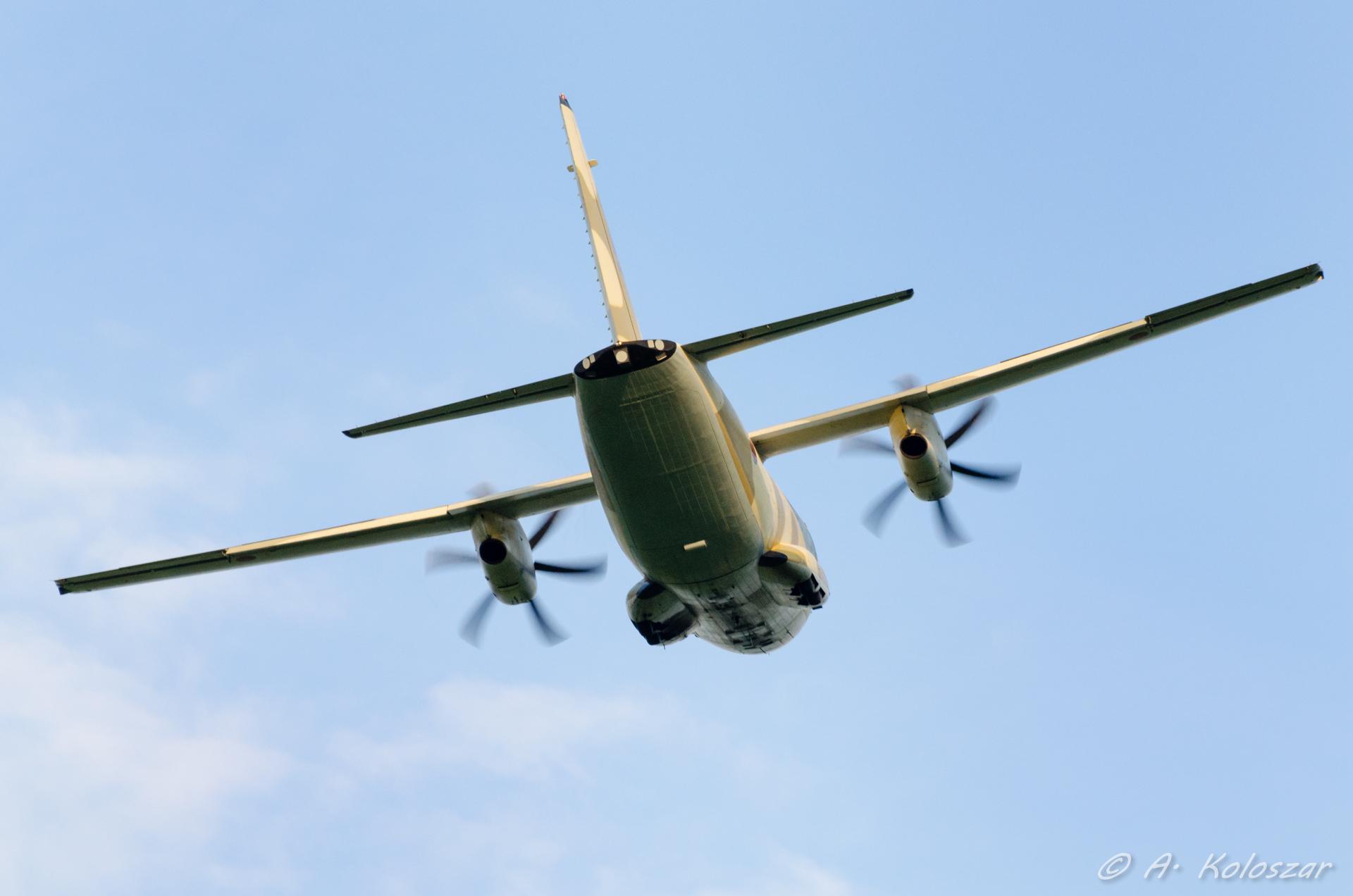 طائرات النقل العاملة بالقوات المسلحة المغربية 14673668046_c5bd282650_o