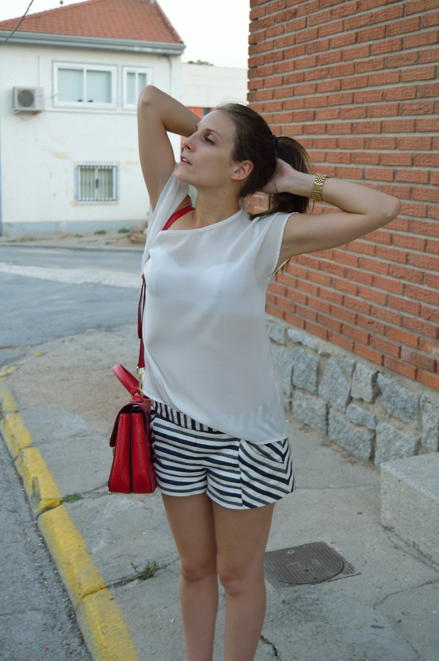 lara-vazquez-madlula-fashion-trends-look-pop-of-red-stripes