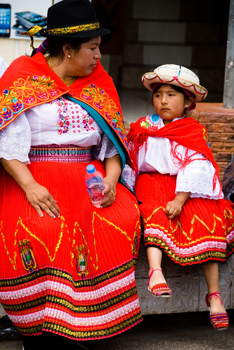 Mother & Daughter at Inti Raymi, Ottovalo