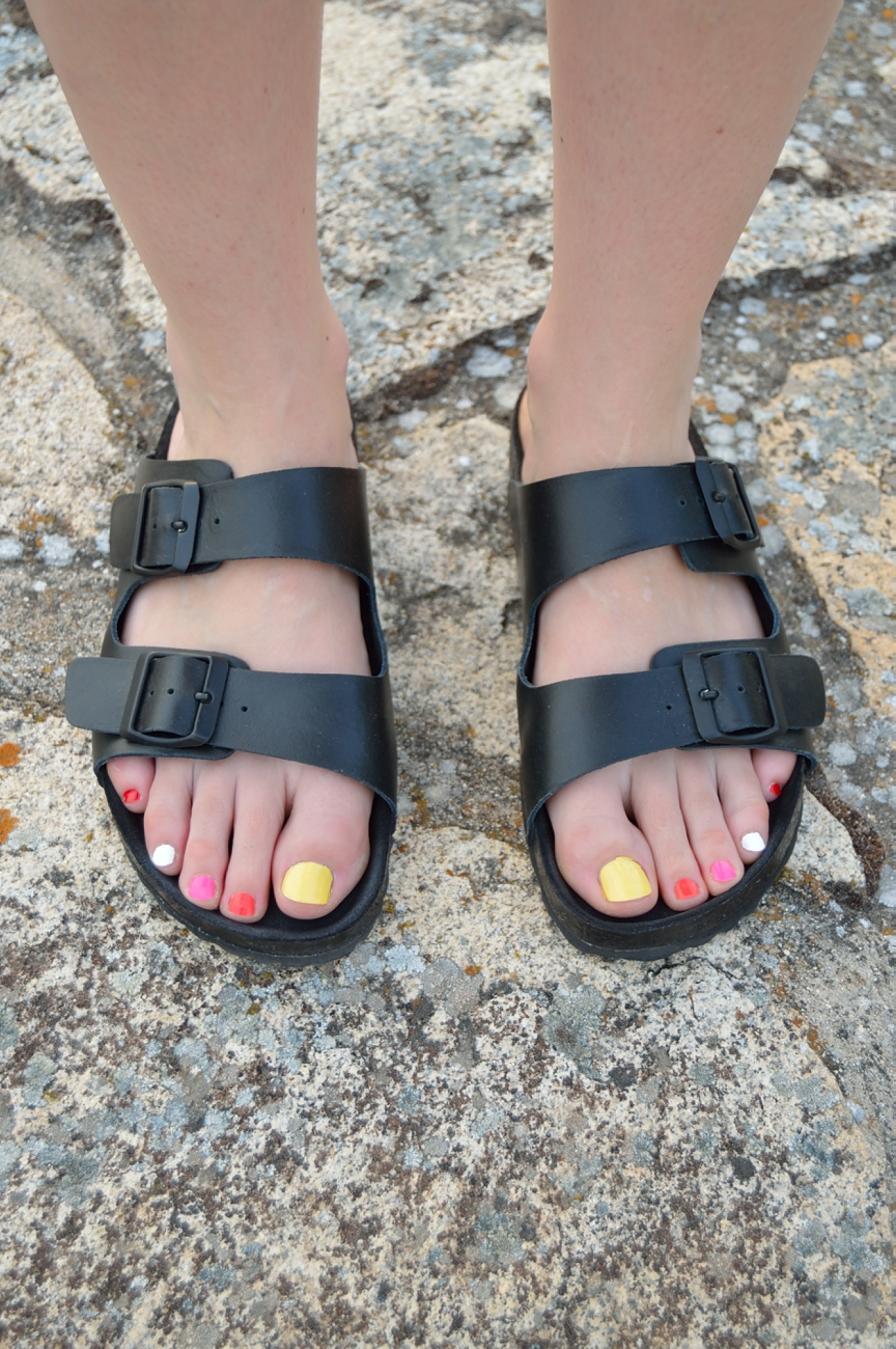 lara-vazquez-madlula-fashion-trends-details-sandals