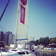 The RedEye boat is on the water for RedEye Does Sailing! #belmontharbor #lakemichigan #sailing