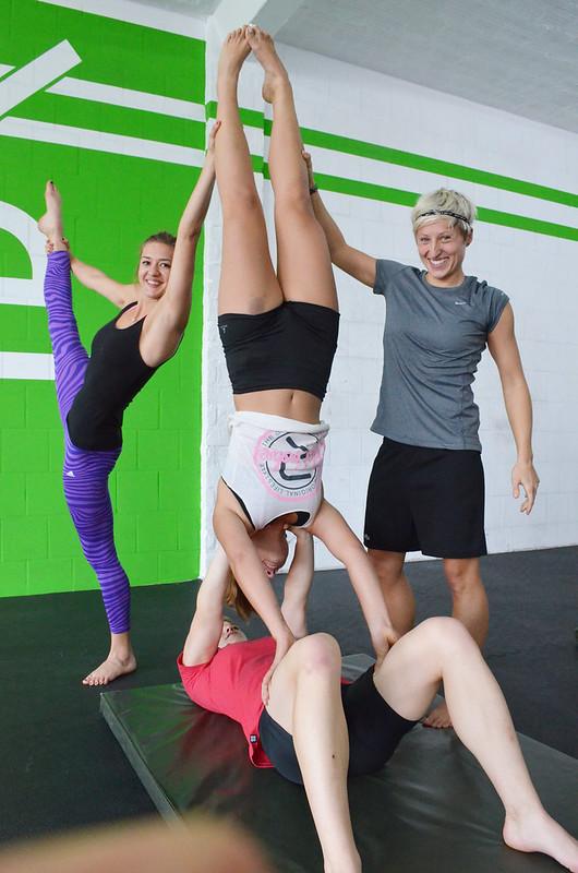 akro - gymnastics