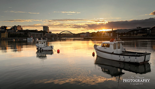 light sunset reflection clouds river boats photography boat wear sunburst moor starburst sunderland sidelight wearside fishquay wearmouthbridge leefilters ianflanagan