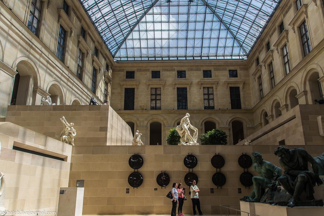 Louvre-87