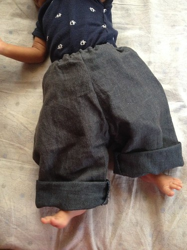 Sew-Newborn Pants-Upcycle Linen2