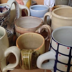 Sorting through my cups this morning, picking out handle examples for my Wed. class. @machikoerhard @bookertee @kyounghwa_oh @ayumihorie @clayceramics @woodyothello @bo_bedilion #gaysmith #martinalantin and an unknown front & center that I picked up from