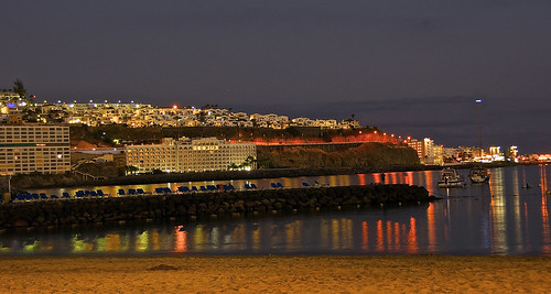 Patalavaca beach night lights