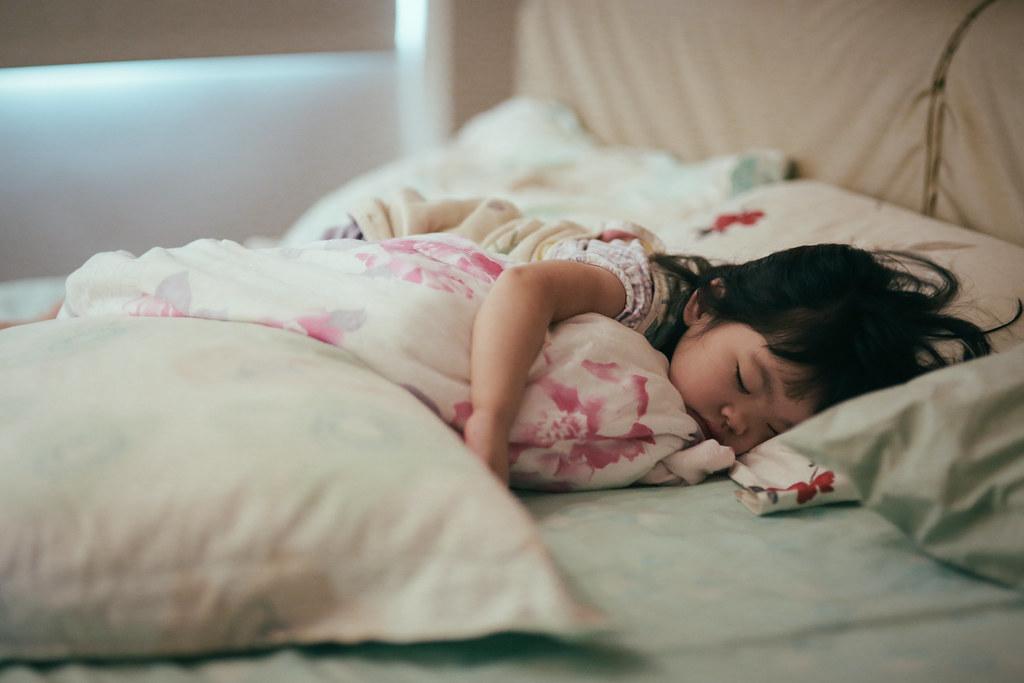 這個時刻有爹娘在身邊睡得最安心吧