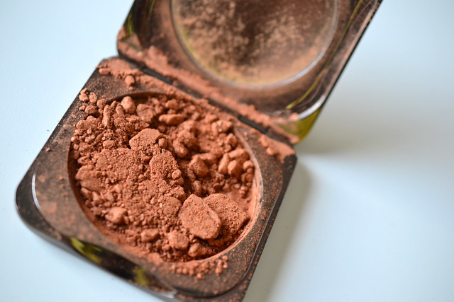 Fashion Fair Illuminating Powder broken