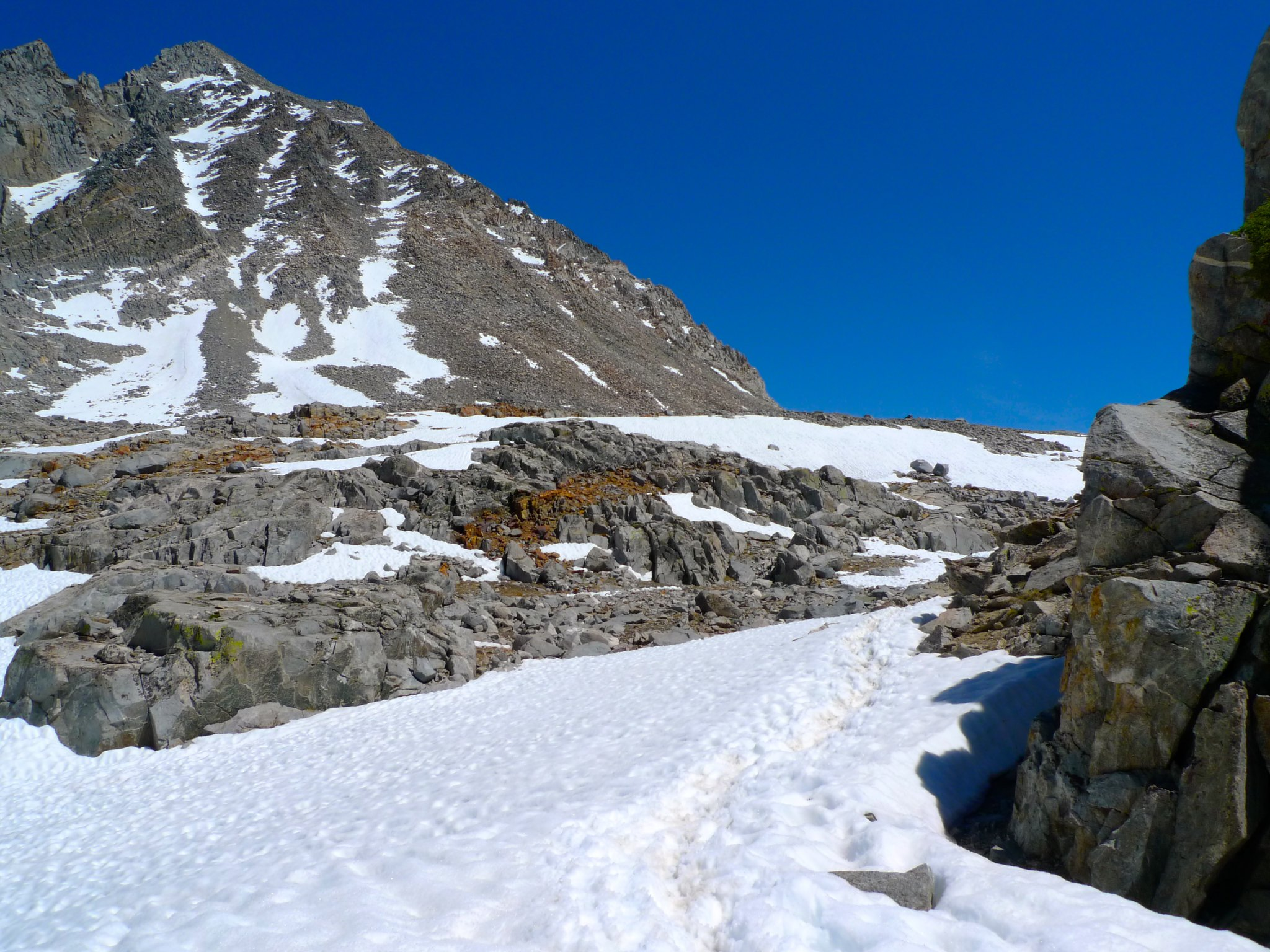 Snowfields on the way up to Bishop Pass