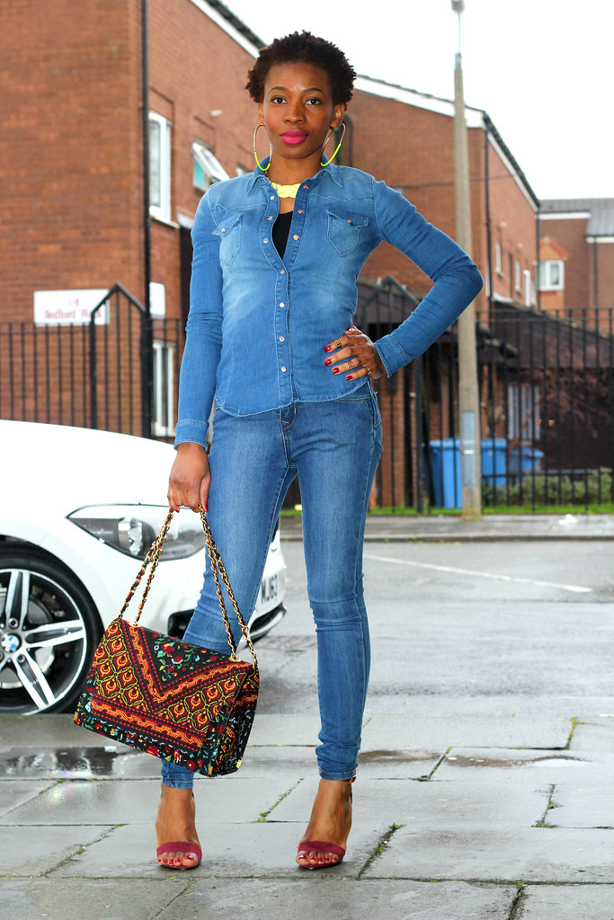 double-denim-outfit, , how to wear double denim, how to wear skinny jeans, Ankara handbag, 'ankara handbag, kitenge handbag, African print handbag, chitenge handbag, large kitenge handbag, large Ankara handbag, casual outfit, dinner date look, lunch date look, what to wear for dinner date, what to wear for lunch date