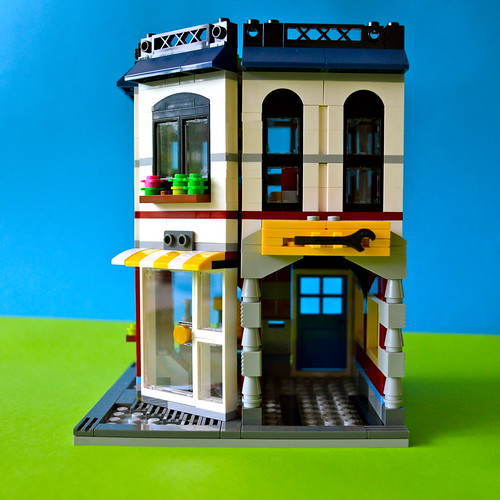 Side of LEGO auto-repair shop