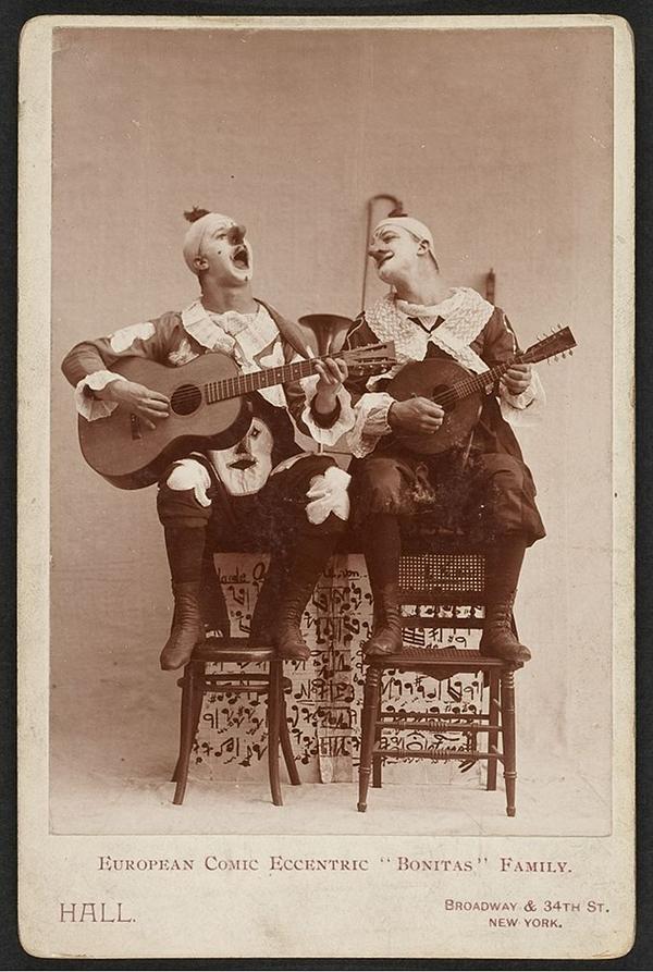 Labeled    European comic eccentric      Bonitas      family  TCS         Harvard Theatre Collection  Harvard University  Date       or earlier