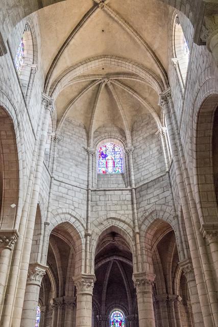 Abbatiale Saint-Léger d'Ébreuil (Allier, France)