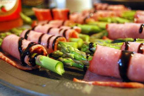Roasted Asparagus Wrapped with Turkey Bacon and Balsamic Drizzle-001