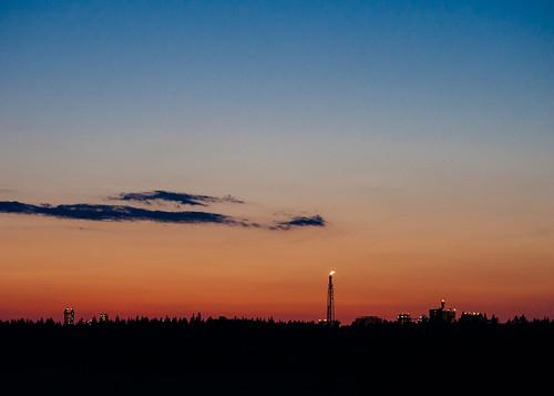 summer sky cloud nature silhouette night finland evening europe industrial factory dusk olympus porvoo omd oilrefinery em5 olympus45mmf18 sjöldvik