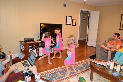 Ukulele dancing