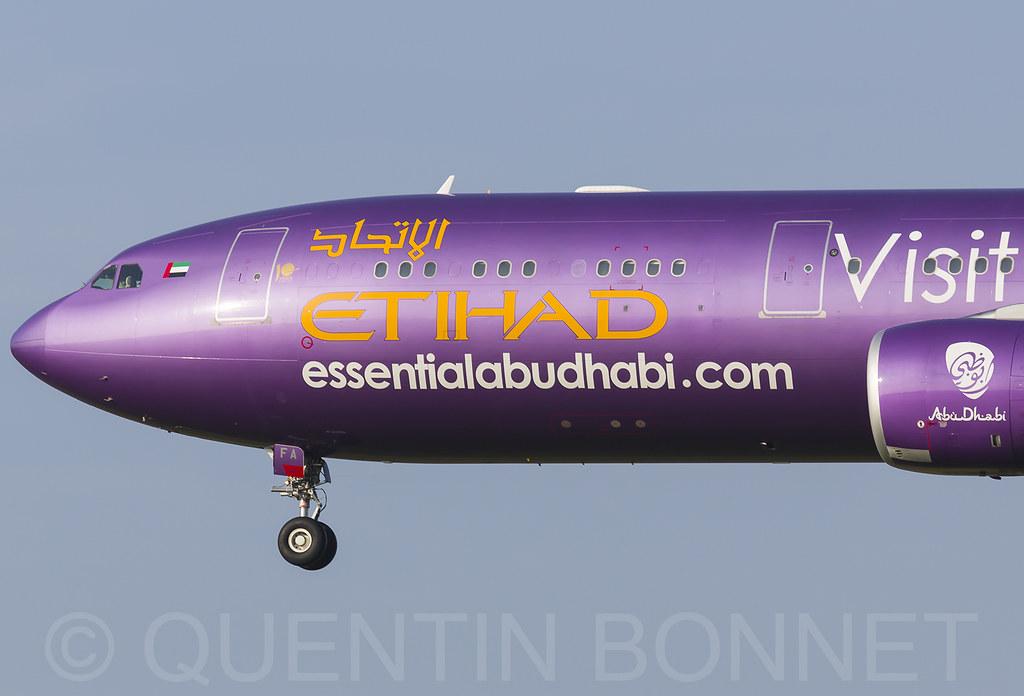 Etihad Airways Airbus A330-343 A6-AFA