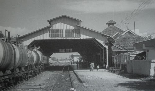 stasiun_tegal_1988